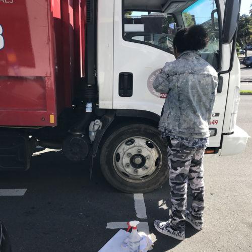 Vehicles-doorsignage-vinyl